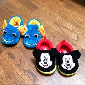 2 pairs boys slippers size 7/8